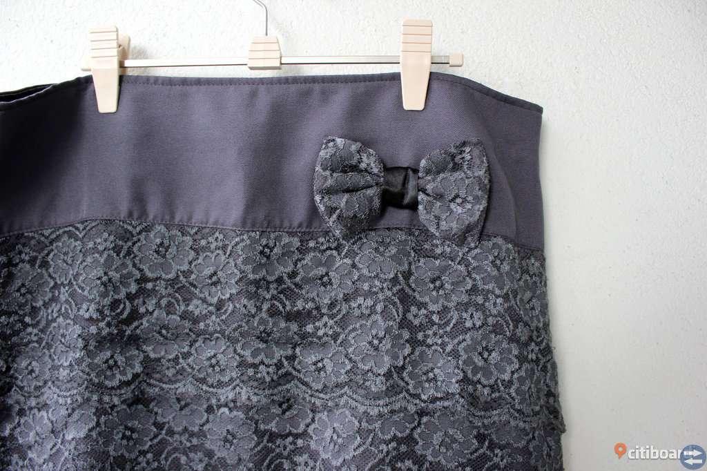 Fin grå spetskjol, som ny, stl 46, L/XL