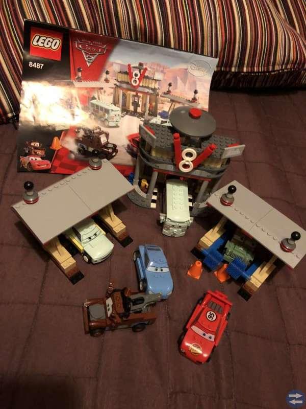 Lego 8487 Flo's V8 Cafe LEGO Cars