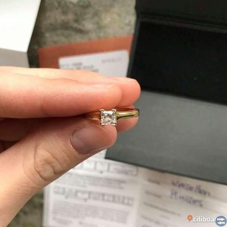 Diamantring i 18K Guld med en diamant 0.50ct WSI Storlek 17