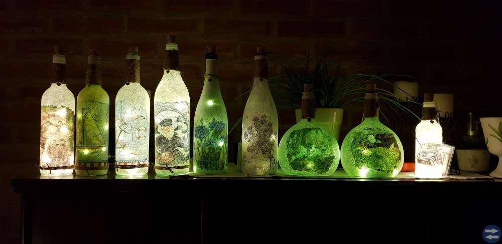 Ljuslyktor av flaskor.