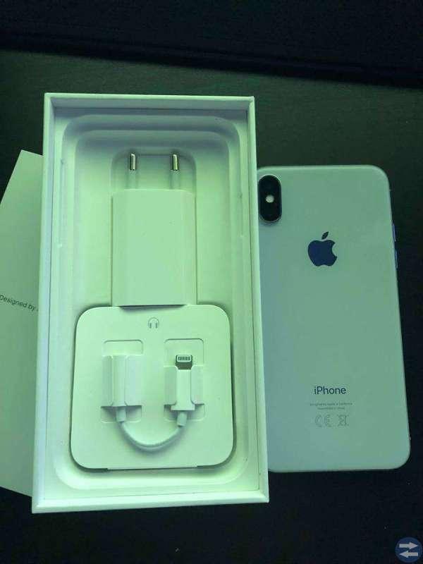 IPhone X 64GB Silver OLÅST och NY