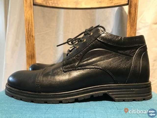 Stylish leather mens shoes.