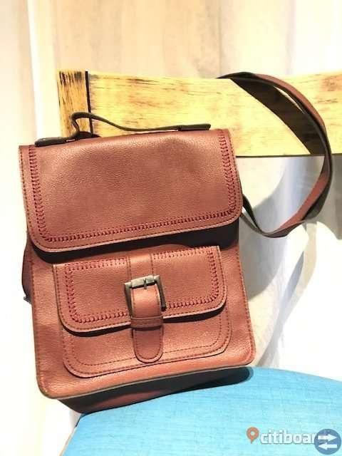 Brown hand bag