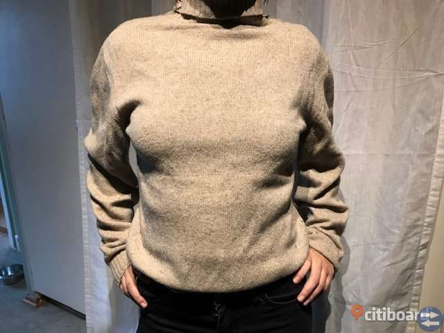 Creme colour sweater