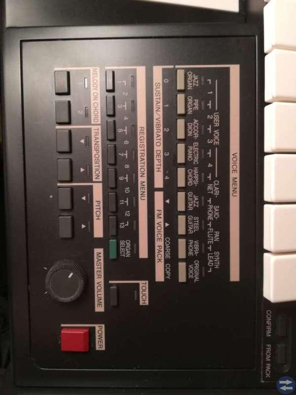 El orgel Yamaha Electone HC-4W