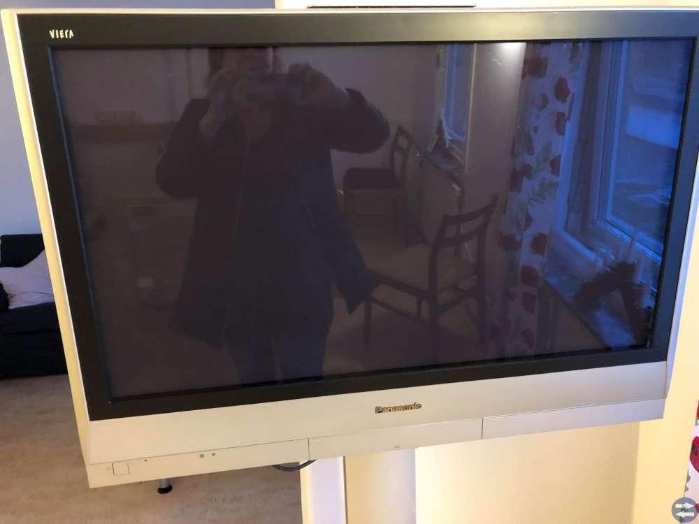 """37"""" panasonic tv med rullställning"""