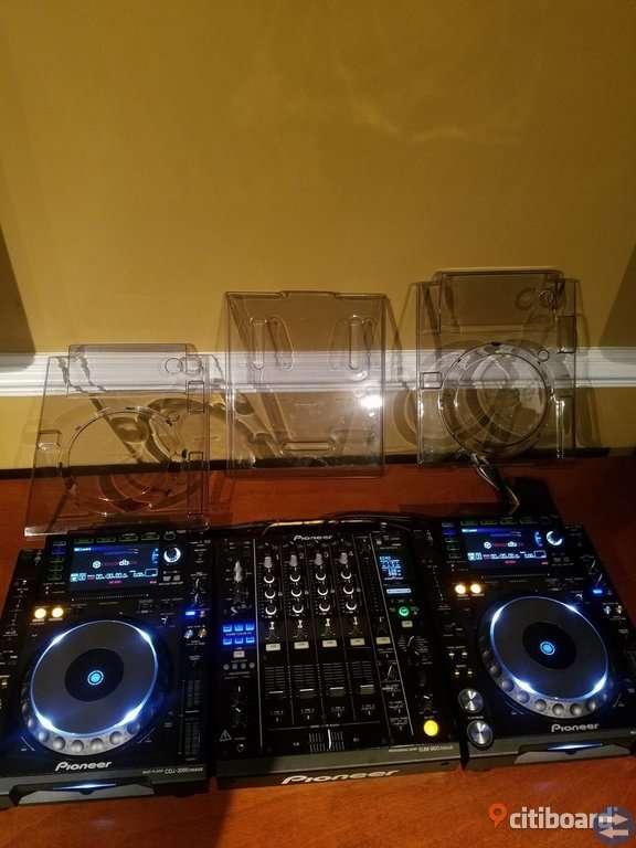 2×-Pioneer CDJ2000-nexus  DJM900-Nexus