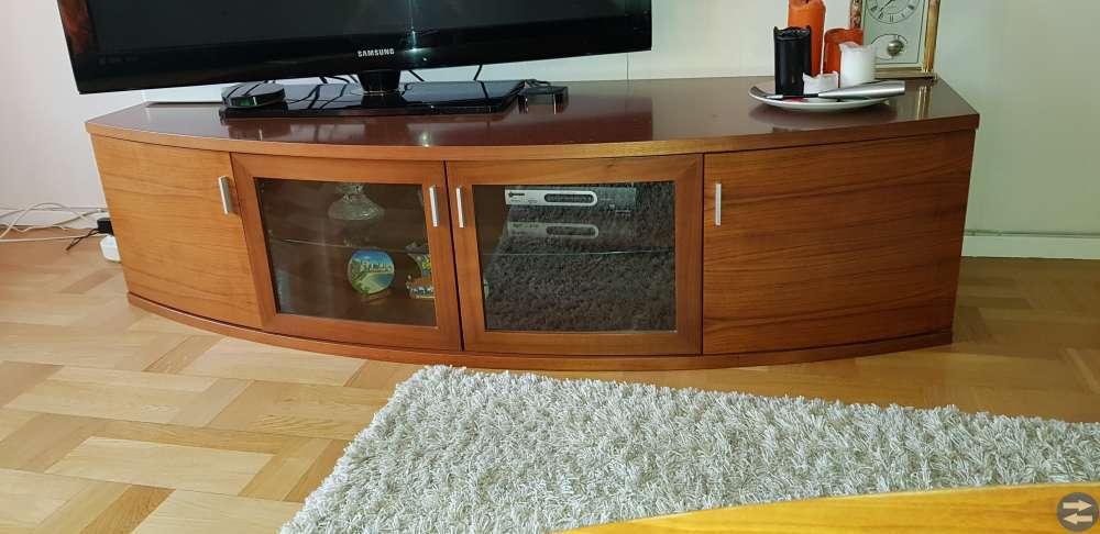 TV-bänk + vägg hyllor