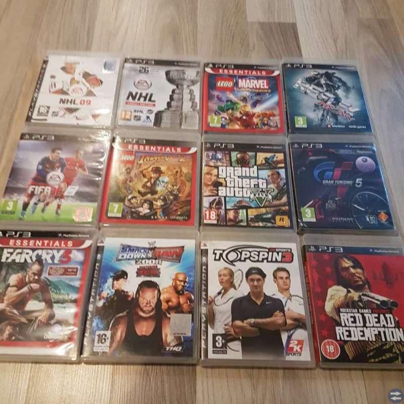 PS3 med 2 handkontroller och 12 spel