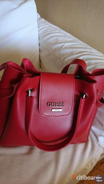 Trendig handväska helt ny red