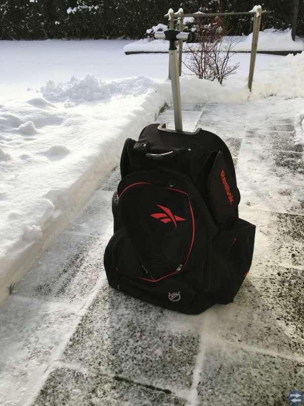 Reebok Hockey trunk bag med hjul och draghandtag - Sverige - Nästan ny  Reebok hockey 7c169b969e6f1