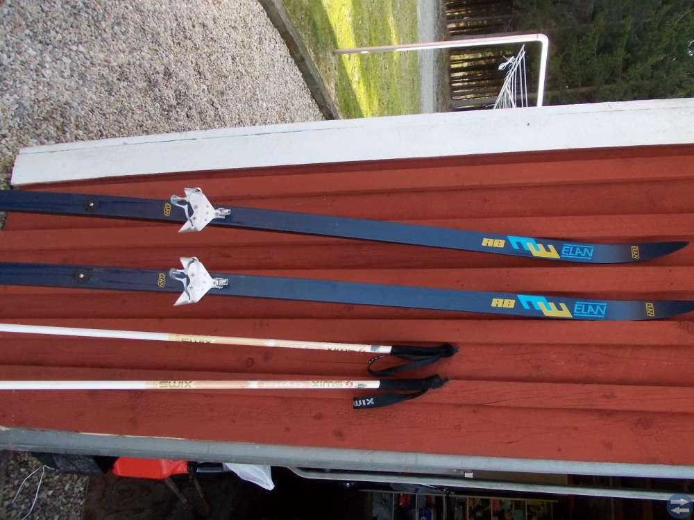 Längdåknings skidor Elan.