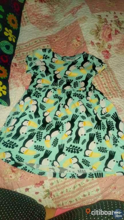Lindex klänning stl 110