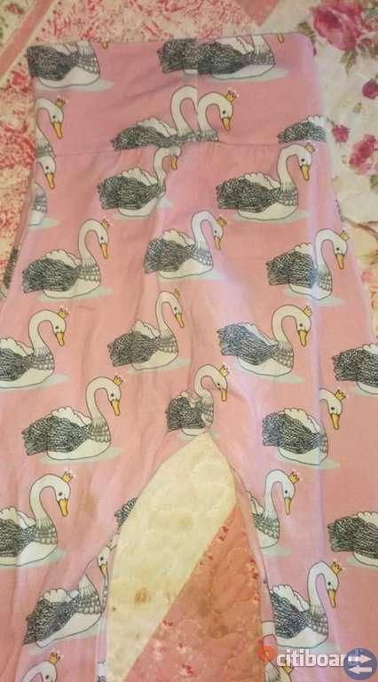 Mjuka byxor med svanar på stl ca 92