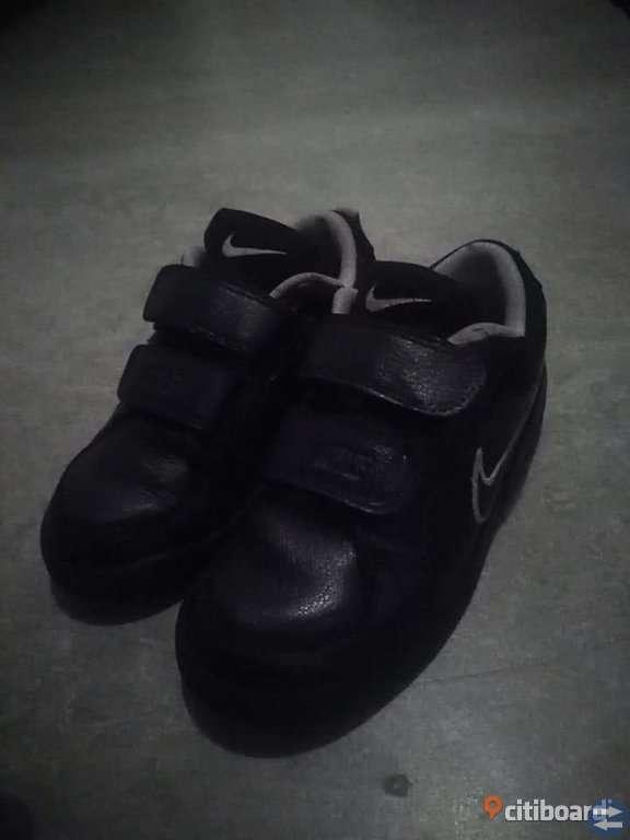 Nike Skinnskor