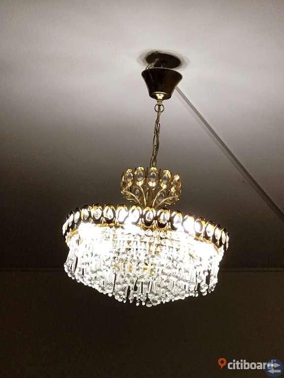 Lampa kristal