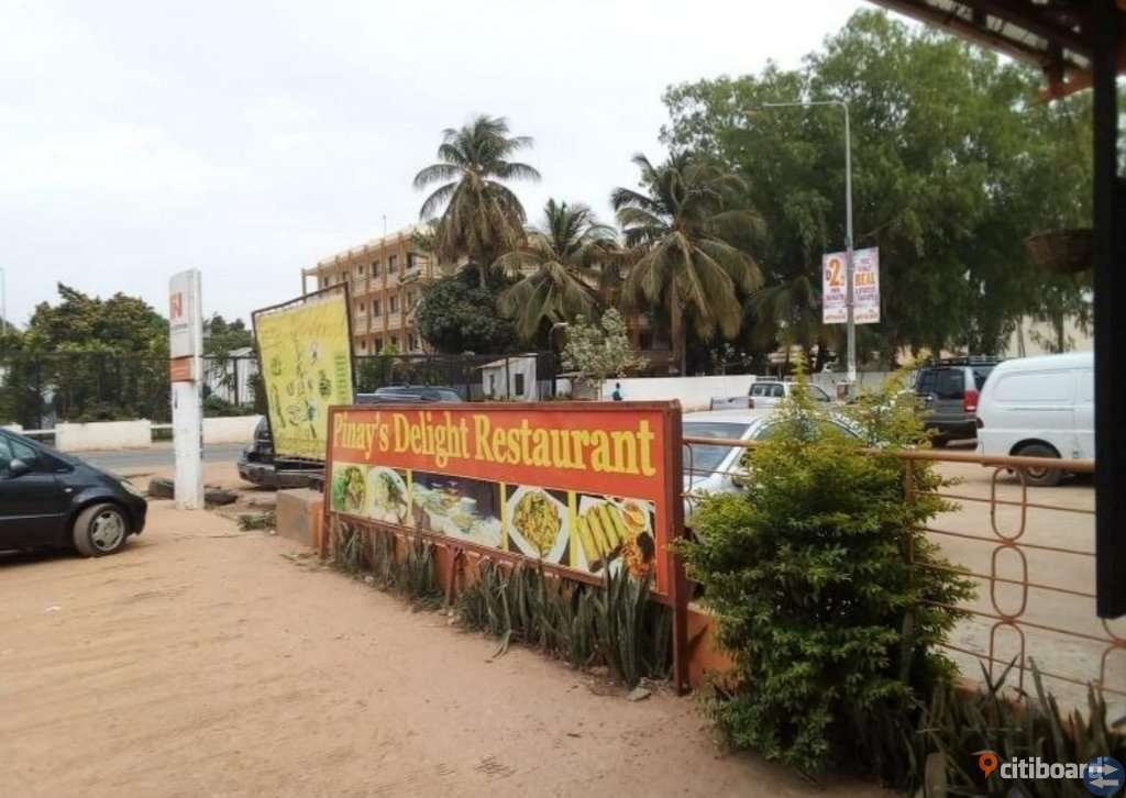 Piney's Delight Restaurang i Gambia