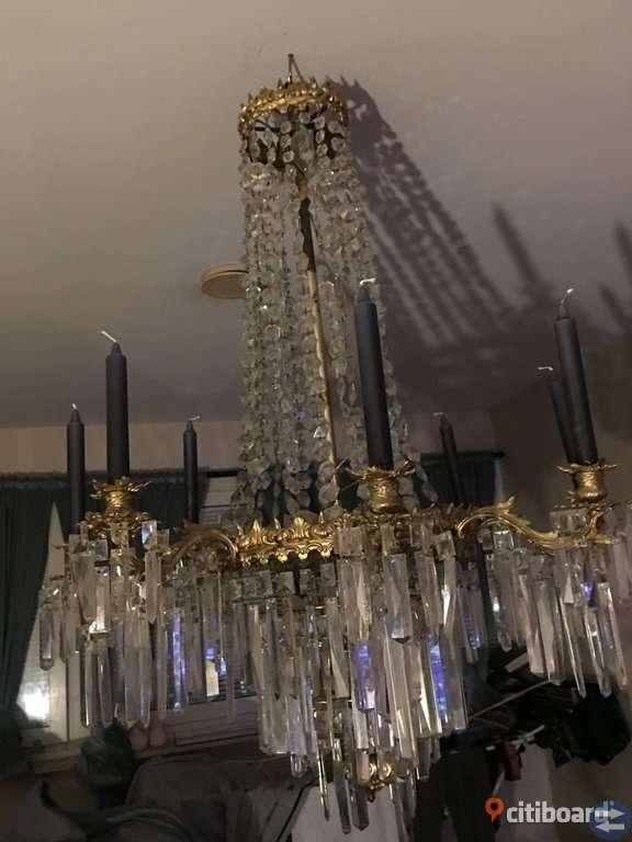 Oscariansk kristallkrona från stäkets herrgård