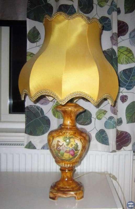 Bordslampa från italien 1970 tal