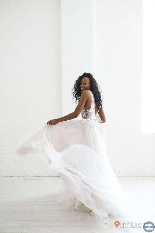 c76620399b21 Galatea Bröllopsklänning; Galatea Bröllopsklänning; Galatea Bröllopsklänning