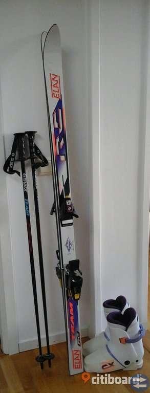 Slalomutrustning skidor+pjäxor+stavar