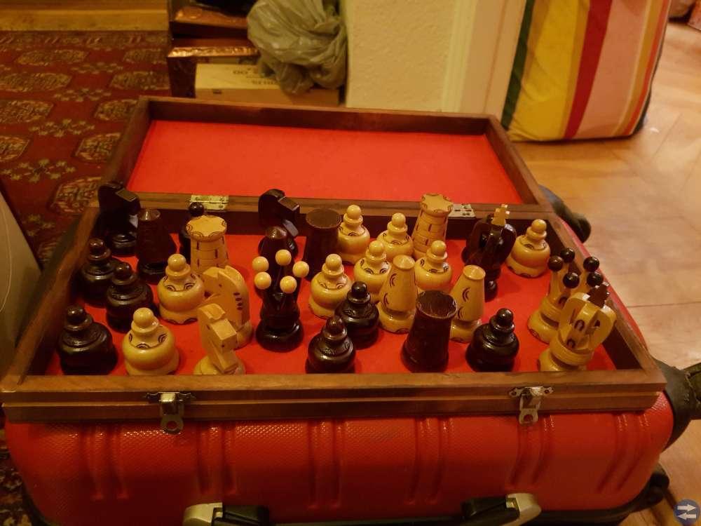Schackspel från Jugoslavien av trä
