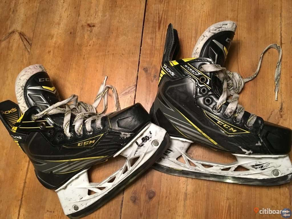 CCM Tacks Ultra skridskor stl 35
