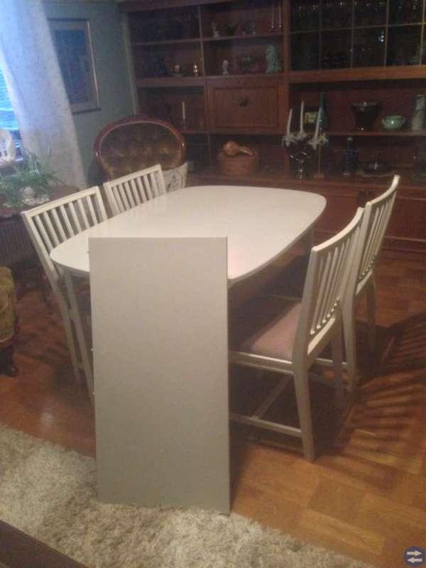 Köksbord + 4 stolar