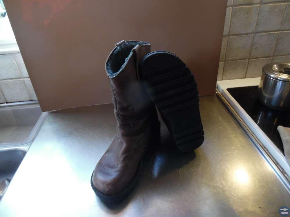 Varmfodrade läderstövlar