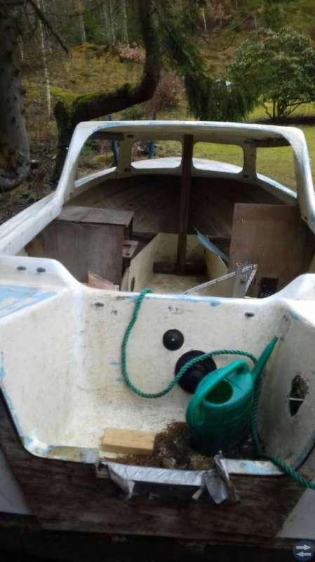 Bort skänkes 1000 kr Båt objekt + Båtkärra