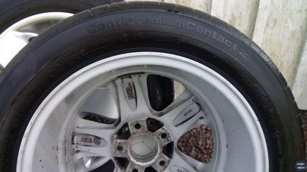 Däck på aluminiumfälg MB