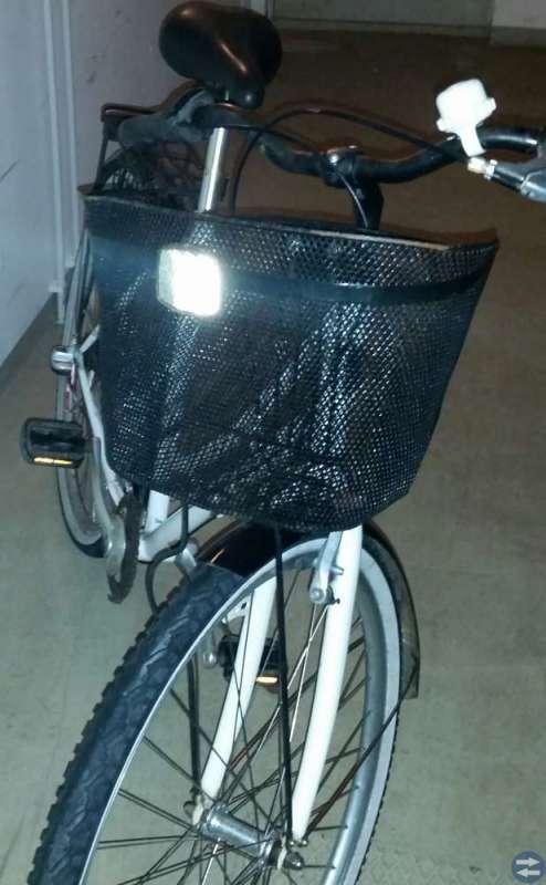 Damcykel Sjösala 3 växlad, 28 tum, cykel korg,