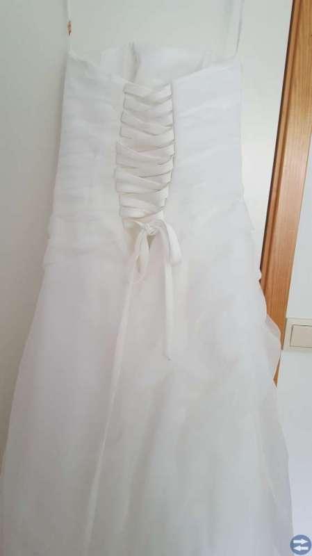 90763e5d6b96 Brudklänning; Brudklänning. Säljer min brudklänning strl 38, märke  foreveryours.