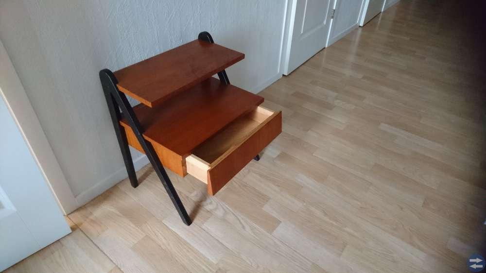 Sängbord i Teak