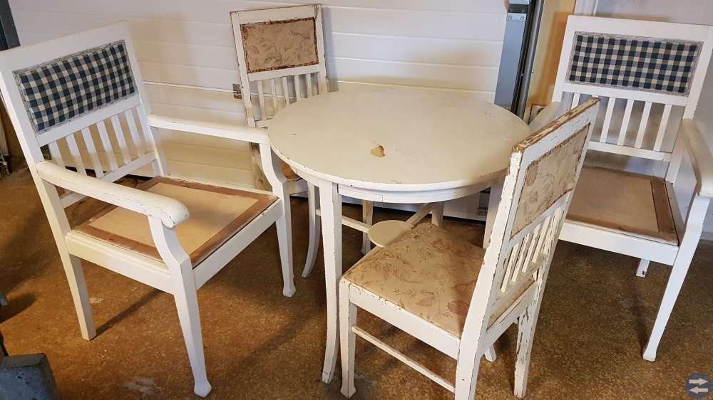 Bord/stolar/soffa