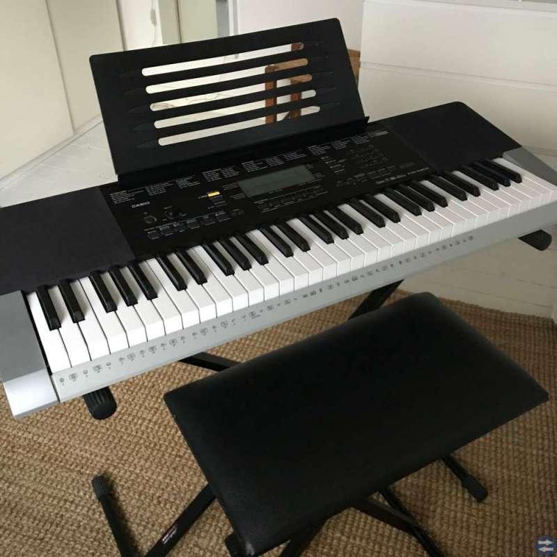 Keyboard Casio CTK-4400 + stativ + pall