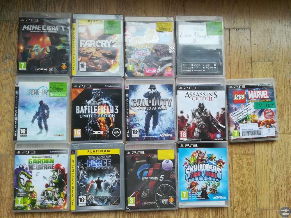 PS3 med 3 hankontroller och 13 spel
