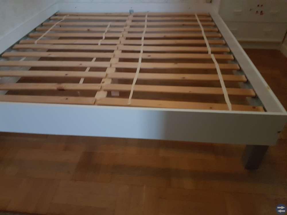 Sängram och madrasser