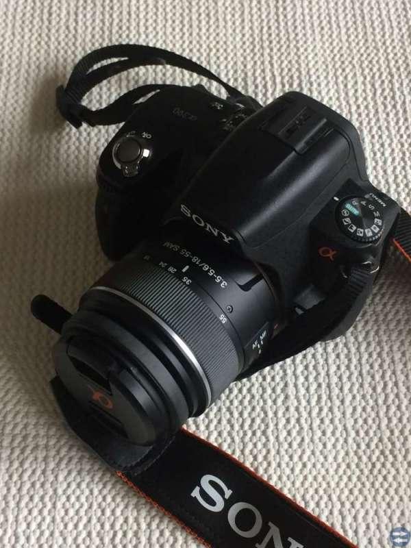 Kamera Sony 390 Nyskick med laddare och väska