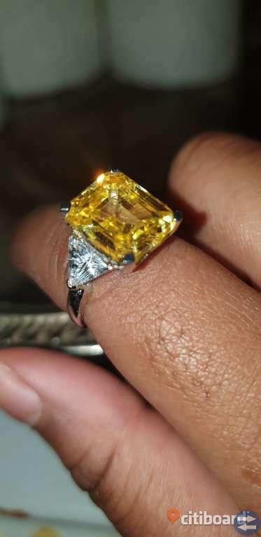 4.50CT Yellow Emerald Diamond Engagement 14k