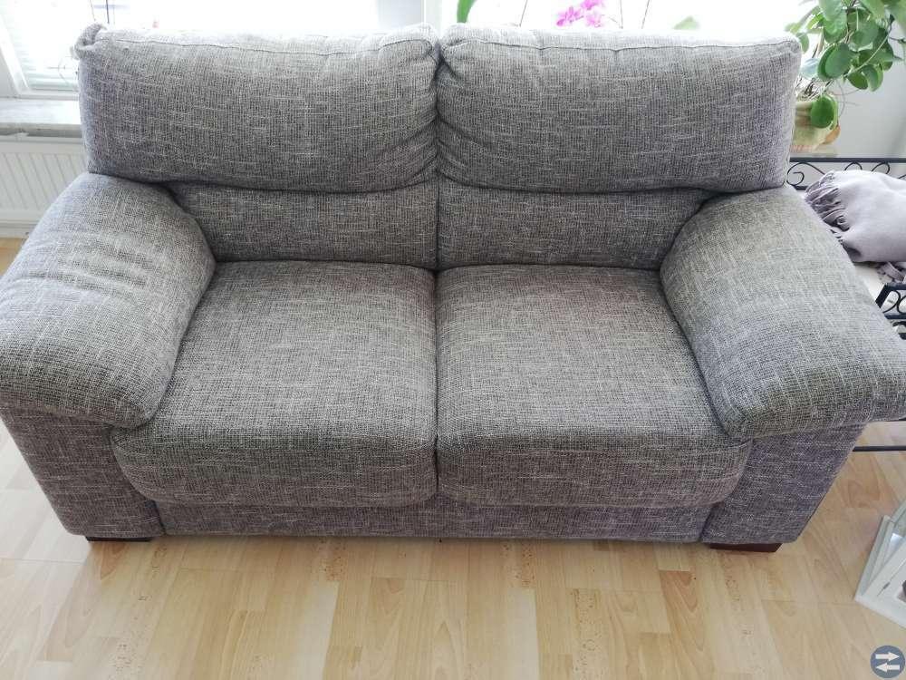 2 sitts soffa och pall