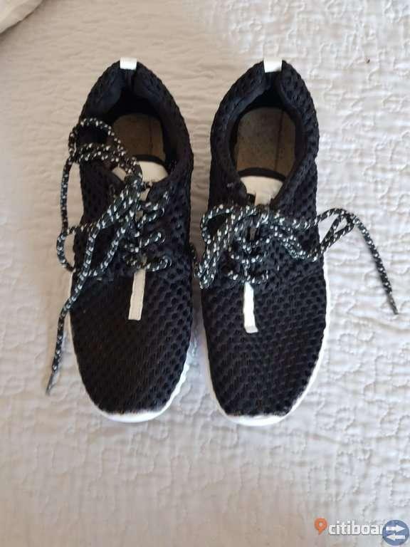 Sommar skor i fint skock stl.37
