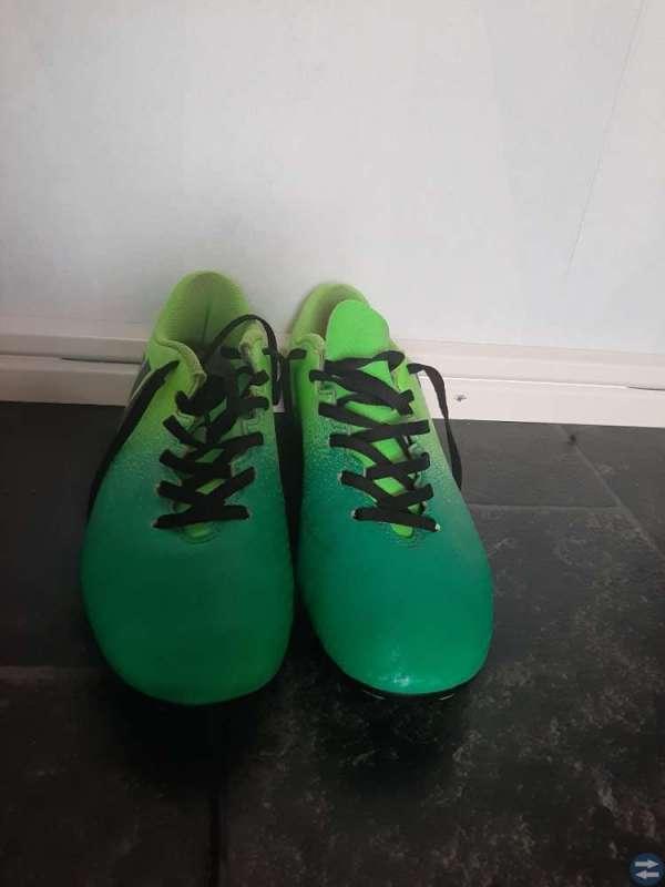 Fotbollsskor Adidas