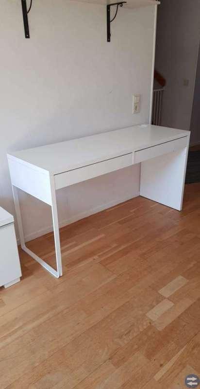 Skrivbord vitt