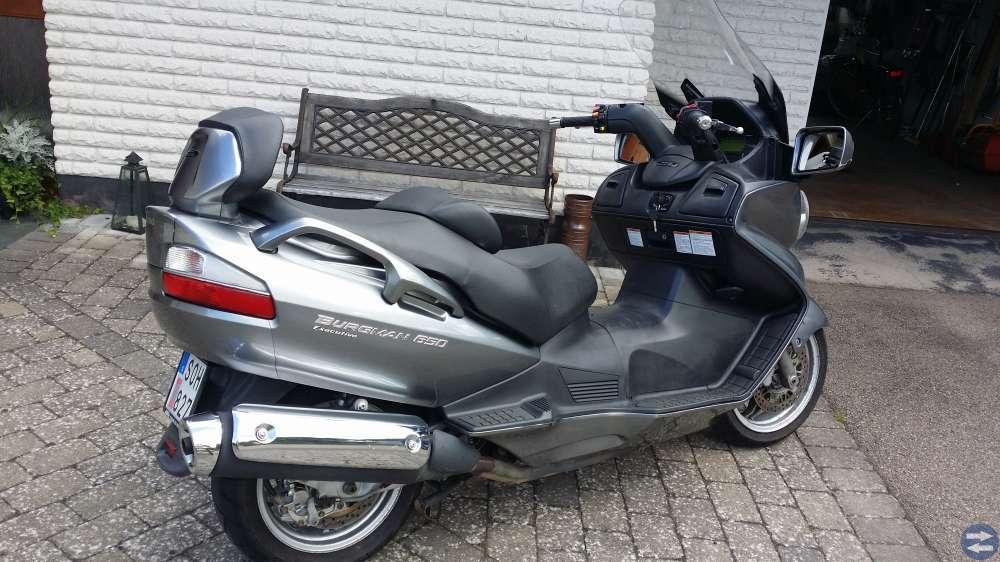 Suzuki Burgman 650 Exekutive -08