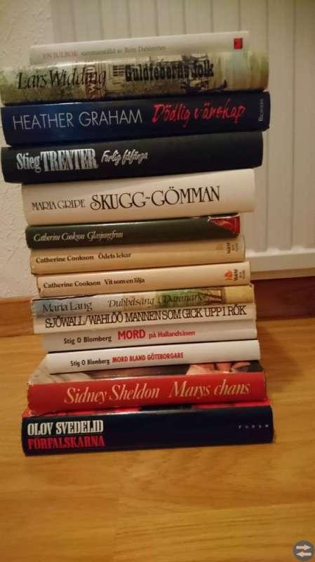 Ca 25 st böcker.