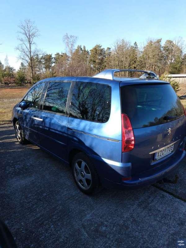 Peugeot 807 Minibuss säljes billigt.