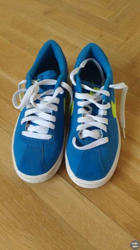 new product d4a22 eba32 Nike sneakers storlek 37,5 - Sverige