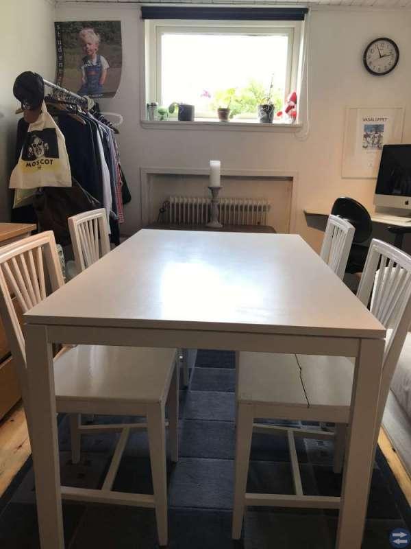 Matbord Mobler Inredning I Hagfors Med Stolar Soffa Soffbord