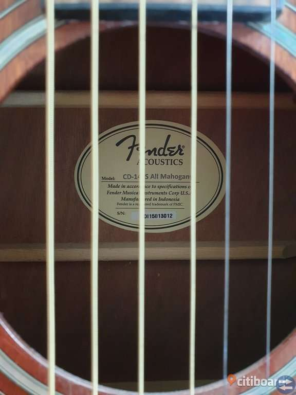 Fender Gitarr